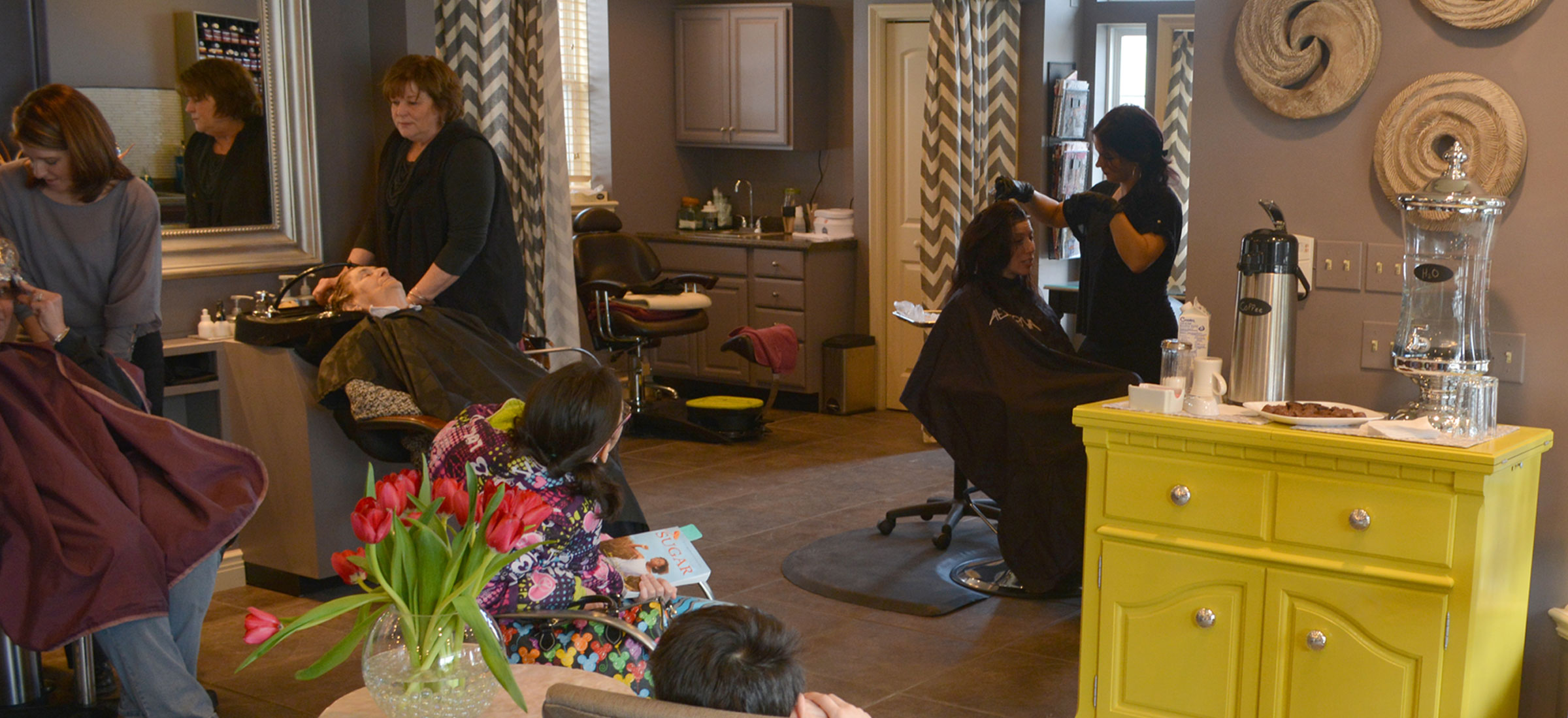 The girls at work at the salon